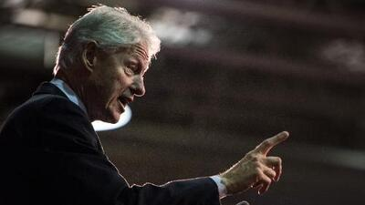 Bill Clinton visita San Antonio para pedir apoyo por Hillary