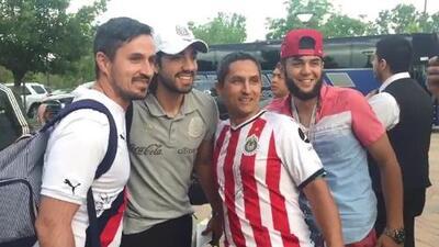 Rodolfo Pizarro 'amagó' con volver a Chivas en llegada del Tri a Denver