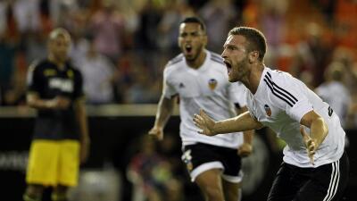 Valencia 1-0 Granada: Mustafi rompe la sequía che en Mestalla