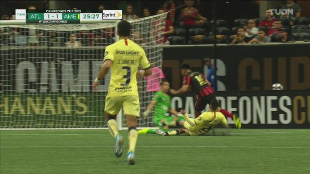 Vargas corrige el error y le saca el 2-1 al Pity con soberbia barrida