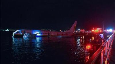 Un avión Boeing 737 termina en un río de Florida y sus pasajeros vivieron para contarlo