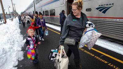 183 pasajeros quedaron atrapados 36 horas en un tren de Amtrak que viajaba hacia Los Ángeles