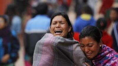 Cifra de muertos por el terremoto de Nepal supera los 3,700