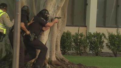 Realizan simulacro de seguridad en la Universidad de California en Los Ángeles