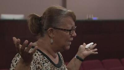 Puertorriqueños en Chicago, preocupados por la suerte de sus familiares tras el paso de María