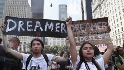 Qué pasa con el permiso de trabajo y otras preguntas que se hacen los dreamers tras el fin de DACA