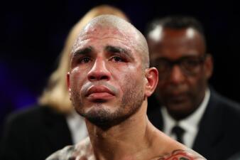 En fotos: Miguel Cotto se ve sorprendido en su despedida y pierde título con Sadam Ali