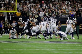 Una intercepción en tiempo extra de Drew Brees abre la puerta al triunfo de los LA Rams