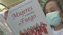 Mujeres a prueba de fuego, el libro que cuenta la experiencia de varias hispanas durante la pandemia
