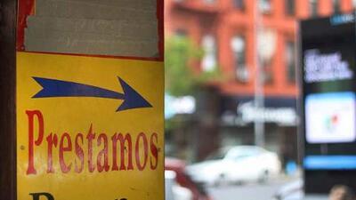 Los prestamistas de barrio: el costoso último recurso de los latinos
