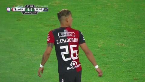Tiro desviado de Cristian Calderón