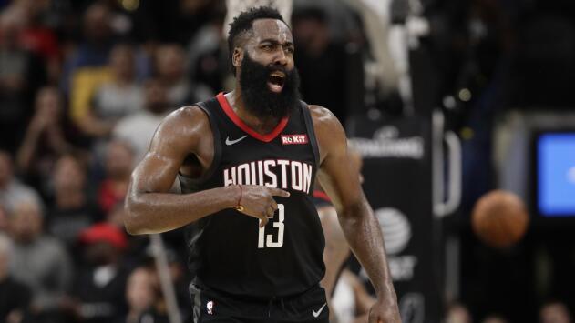 Polémica en la NBA: los árbitros no cuentan una clavada y Houston pierde el juego