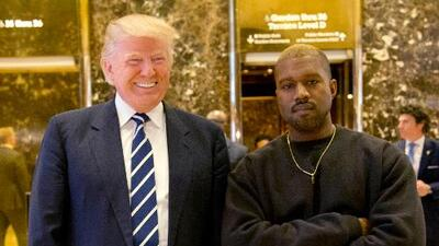 """Es un buen hombre"", dijo Trump sobre Kanye West en el lobby de la Torre Trump"