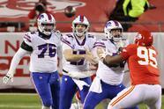 Patrick Mahomes tiene un partido sin errores Kansas City vence 24-38 en casa fente a los Buffalo Bills.