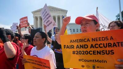 Illinois celebra la decisión de la Corte Suprema de bloquear pregunta de ciudadanía del censo