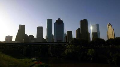 Cielos parcialmente soleados y posibilidad de lluvias para este martes en Houston