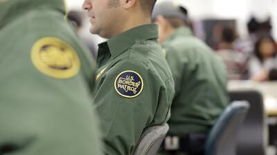 Agentes fronterizos usan Facebook para burlarse de los inmigrantes, incluso los muertos