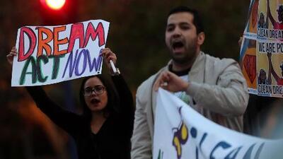 Una corte federal escucha los argumentos de las demandas que buscan anular la decisión que dio fin a DACA