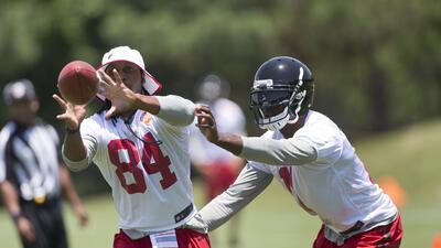 Roddy White: Los Falcons deberían llegar a un acuerdo con Julio Jones ahora
