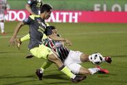 'Chucky' Lozano colabora en triunfo del PSV sobre Fluminense