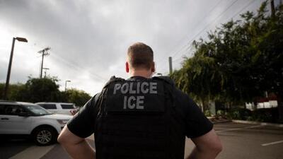 Gobierno destinará fondos de FEMA a control migratorio y anuncian nueva demanda contra regla de carga pública