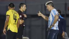 Entrenador brasileño rindió homenaje a Maradona en Copa Libertadores
