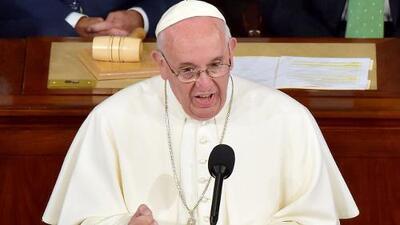 """El Papa Francisco le pide al Congreso que """"no le tenga miedo"""" a los extranjeros"""