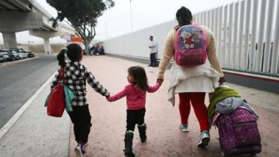 Qué pasa ahora con los más de 2,300 niños que ya fueron separados de sus padres