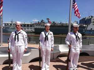 A bordo del Intrepid se realizó la ceremonia por el Día de Recordación en Nueva York (fotos)