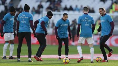 'Chicharito' en mal momento: West Ham brilla sin él y se arrepienten de su contratación