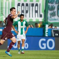 Lanús vence a Banfield y mantiene paso arrollador en Argentina