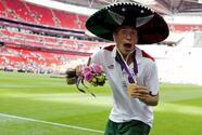 ¡No puede ser! Roban medalla de oro a 'Chatón' Enríquez