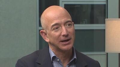 Jeff Bezos acusa al editor de National Enquirer de extorsión