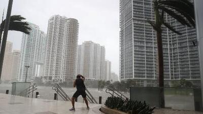 Se acerca la temporada de huracanes y autoridades de Miami recomiendan prepararse con estos pasos esenciales