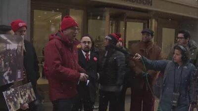 Sindicato de maestros de Chicago exige mejoras en los contratos y en planteles educativos