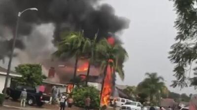 Una avioneta se desploma sobre una vivienda dejando dos personas muertas y dos heridas
