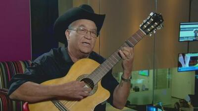 No estudió música, pero nació con un don: así es Elíades Ochoa, uno de los fundadores de Buena Vista Social Club