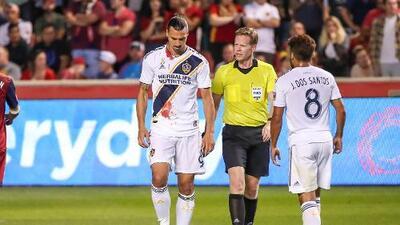 Batalla campal entre Cascadia y LA Galaxy amenaza con dejar sin Playoffs a Zlatan y los Dos Santos