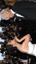 Selena Gómez anuncia en Instagram que se casará con Bill Murray, quien es 42 años mayor que ella