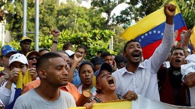 Los venezolanos regresan a las calles a clamar por la ayuda humanitaria y Guaidó pone una fecha límite
