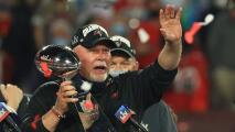 Bruce Arians presume tatuaje por título de Buccaneers en Super Bowl