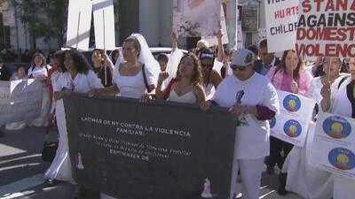 Marcha de las novias da voz a víctimas de violencia doméstica