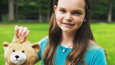 Esta niña enferma con miedo a su tratamiento tuvo una genial idea para que otros niños no pasen lo mismo