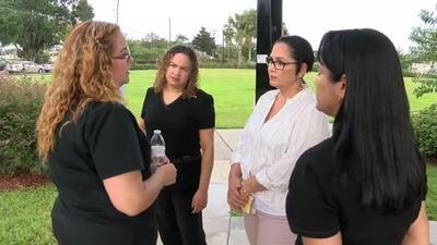 7 enfermeras denuncian que las amenazan con despedirlas en Florida por hablar español