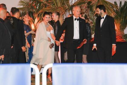 Y cuando en horas de la noche los vieron tomados de la mano, saliendo del  <b>restaurante Agora</b>, los rumores se multiplicaron.