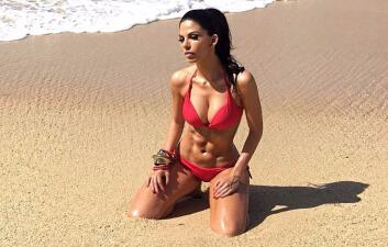África Zavala posa en bikini y enloquece a sus fans en redes sociales