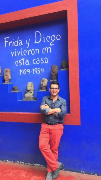 Omar recordando la visita a La Casa Azul de Frida Kahlo