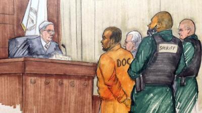 El cantante R. Kelly es liberado tras pagar $100,000 (el 10% de su fianza) en caso de abuso sexual de menores