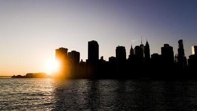 Viento moderado y cielo mayormente despejado para la noche de este viernes en Nueva York