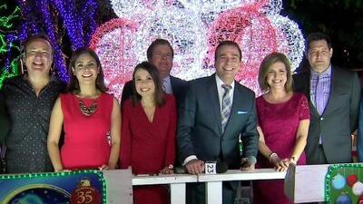 Cena del 23: Familias celebran el Día de Acción de Gracias en elBosque Encantado de Santa
